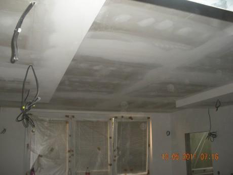 Jak odhlučnit strop v paneláku